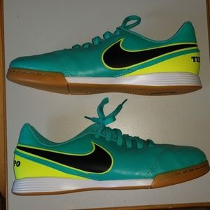 Nike Tempo shoes